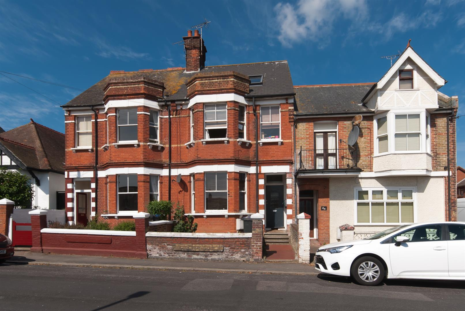 2 Bedrooms Flat for sale in Victoria Avenue, Westgate-On-Sea